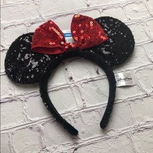 New with tags Disney Parks  Minnie Mouse Ears
